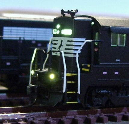 SBS4DCC - N-HO Locomotive Lighting on